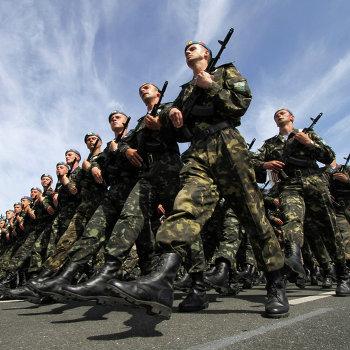 Генеральная репетиция совместного парада войск по случаю 65-й годовщины Победы в Великой Отечественной войне в Киеве