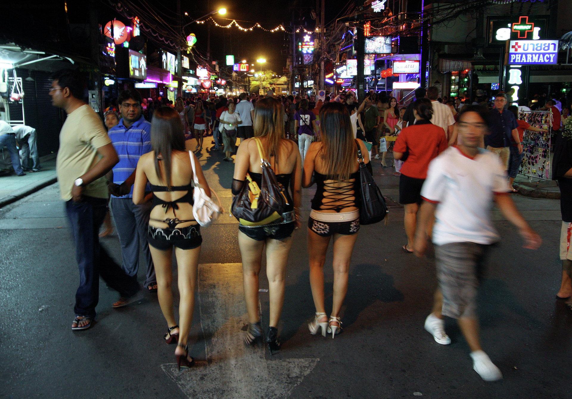 Проституток сняли и ебут, Русские проститутки - смотреть лучшее порно в хорошем 25 фотография