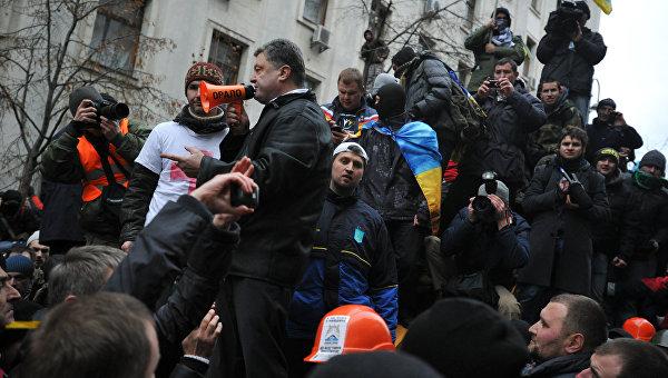 Менеджеры против фашистов
