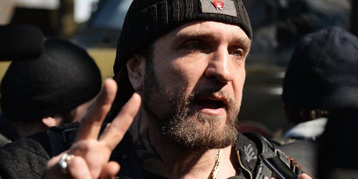 «Хирург» на севастопольском байк-шоу показал мотоцикл «Сталинец»