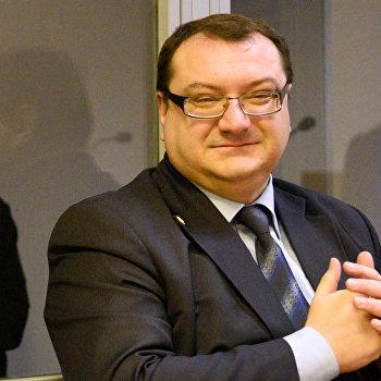 Рассмотрение дела А.Александрова и Е.Ерофеева в Киеве
