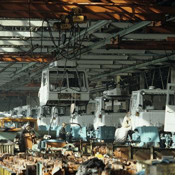Сборочный цех тракторного завода