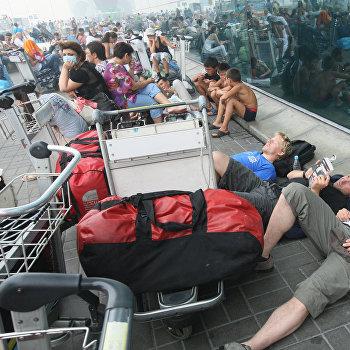 В аэропорту Домодедово из-за плохой видимости задерживаются рейсы