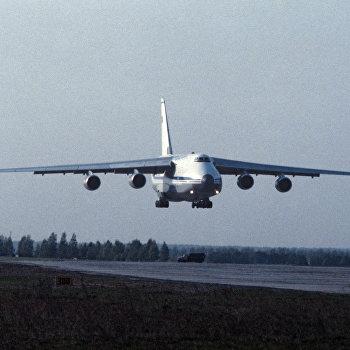 Самолет АН-124