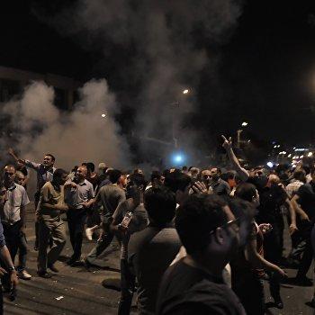 Ситуация близ захваченного в Ереване здания полка полиции