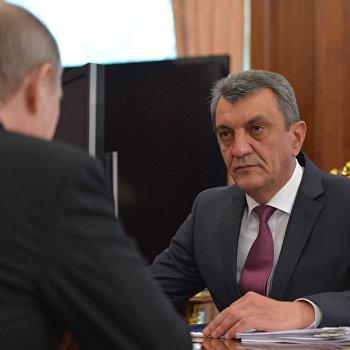 Рабочая встреча президента РФ В. Путина с губернатором Севастополя С. Меняйло