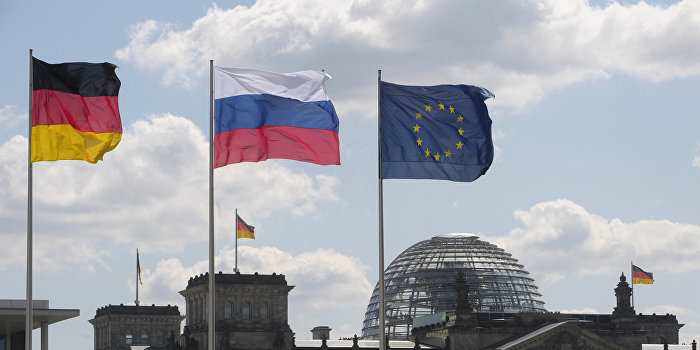 Лидер «свободных демократов» Германии предложил обсудить возвращениеРФ вG8