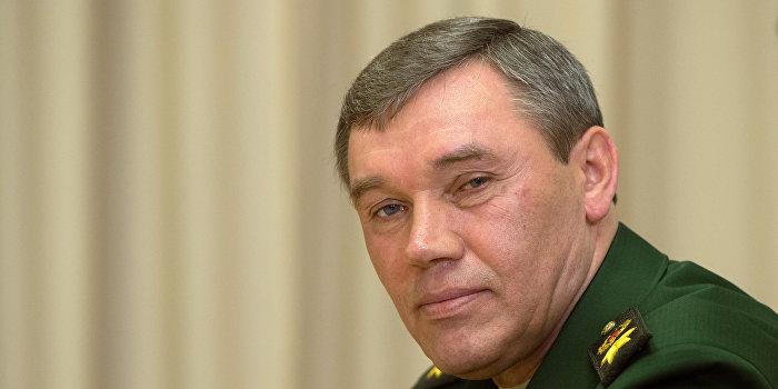 Президент России В.Путин провел совещание с руководством министерства обороны