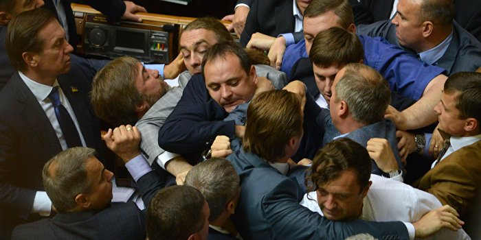 """Верховная Рада утвердила указ президента Украины """"О частичной мобилизации"""""""