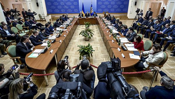 Порошенко объявил о будущих изменениях Конституционного суда