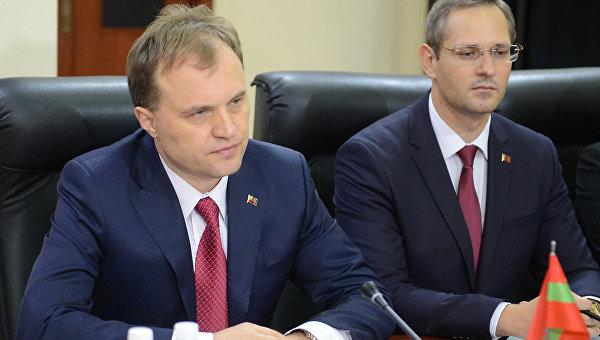 Рогозин: РФ изучает вопрос выдачи гражданства жителям Приднестровья