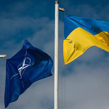 Президент Украины П.Порошенко посетил академию Сухопутных войск Вооруженных сил Украины имени гетмана Петра Сагайдачного