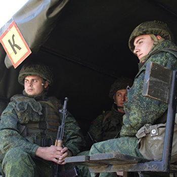 Ситуация в районе пропускного пункта Станица Луганская в Донбассе