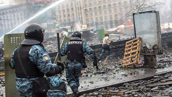 Янукович потребует провести международное расследование смерти людей наМайдане