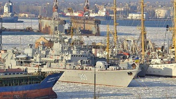 Весь украинский ВМФ сковали льды