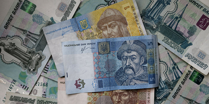 Почему доллар падает а евро растет 96