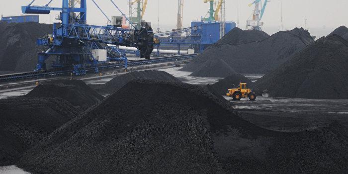 Работа морского торгового порта Усть-Луга в Ленинградской области