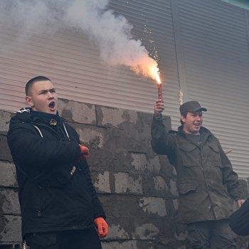 Украинские националисты требуют закрытия Сбербанка в Киеве