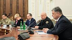 Порошенко: Мэр Садовый засыпал Львов мусором и организовал блокаду Донбасса