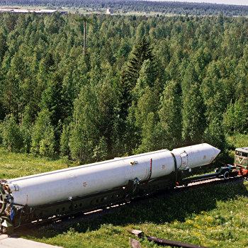 Ракета Циклон на пути к космодрому Плесецк