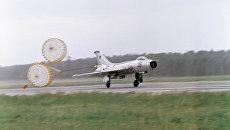 Сверхзвуковой истребитель МИГ 21