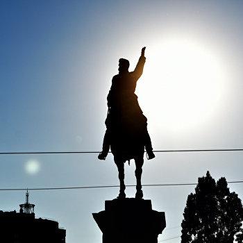Памятник Николаю Щорсу в Киеве
