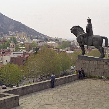 Памятник основателю Тбилиси Вахтангу Горгасали