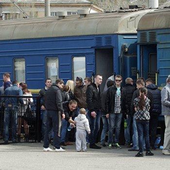 Военнослужащие ВМС Украины покидают Севастополь