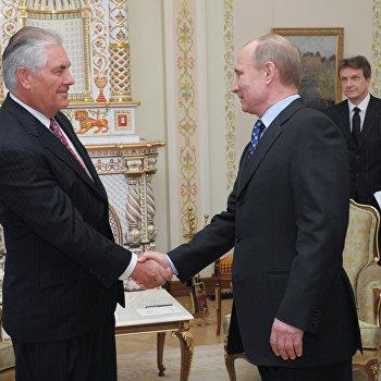 Премьер-министр РФ В.Путин встретился с главой корпорации ExxonMobil Р.Тиллерсоном