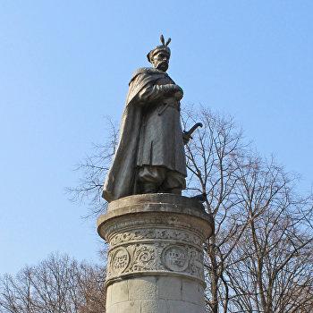 Памятник Богдану Хмельницькому Чернигов