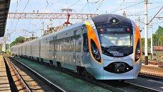 Hyundai Укрзализныця поезд