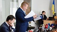 Адвокаты Януковича снова затянут Порошенко в суд
