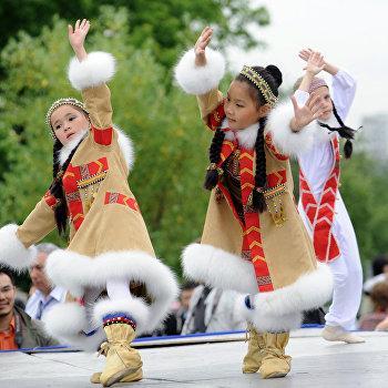 Якутский праздник проводов зимы Ысыах прошел в Москве в Коломенском