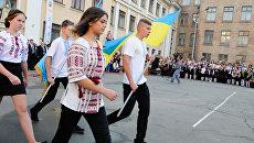 Ненавидеть русских: как этому учат в украинских школах и детских лагерях
