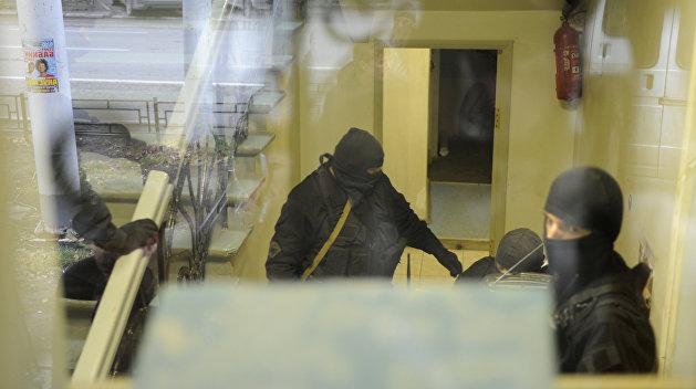 Немогут десяток правоохранительных органов выламывать двери бизнеса— Порошенко