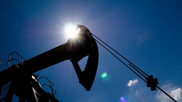 Нефть Brent стремится к $80 за баррель