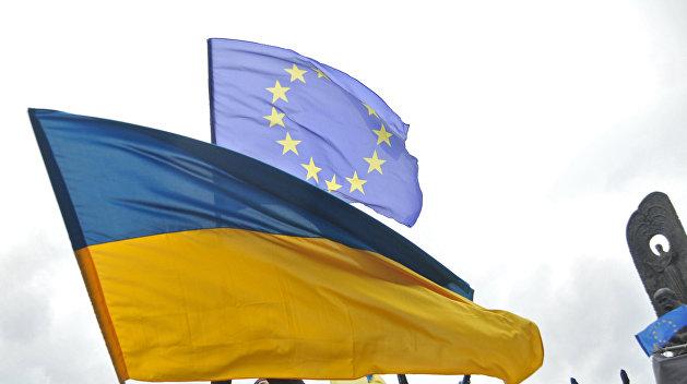 Почти 400 тысяч украинцев съездили в Европу без виз