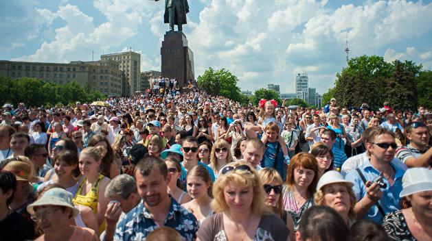 Опрос: Как жители Харькова относятся к празднованию 8 марта