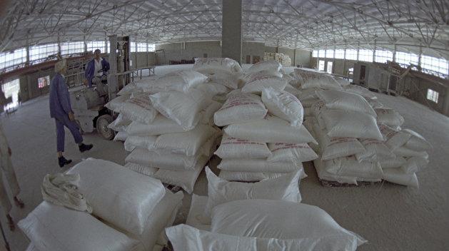 Российский химпром прекратил поставки удобрений на Украину