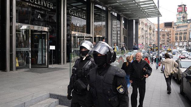 Рейдеры применили газ против журналистов «Вестей», есть пострадавшие