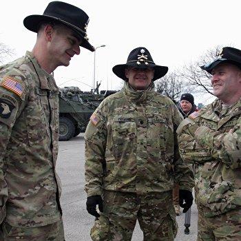Показательный марш военнослужащих армии США Dragoon Ride в Латвии