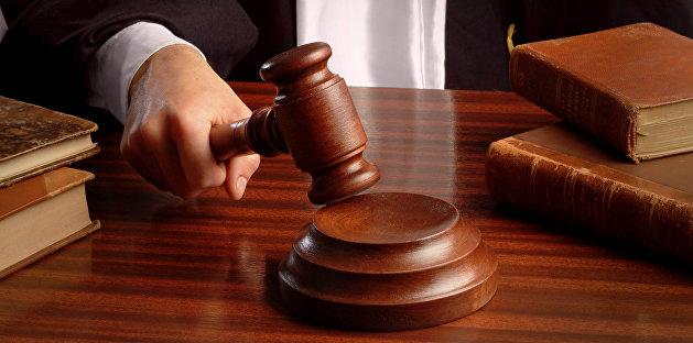 Херсонский суд арестовал женщину, собиравшую в Крыму подписи за Путина
