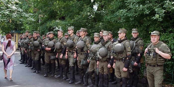Сотрудники Национальной гвардии Украины
