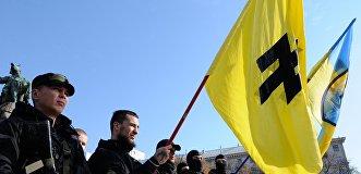 Час «Азова». Чем воинство «белого вождя» привлекает к себе украинцев