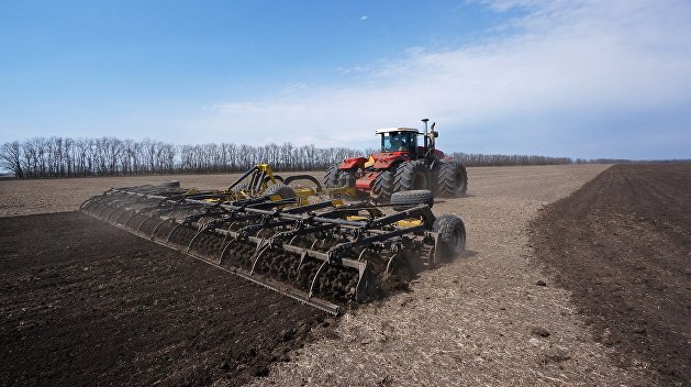 Весенне-полевые работы в Ростовской области