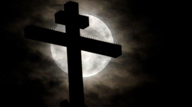 Скворцов: Завтра радикалы будут сносить Десятинную церковь