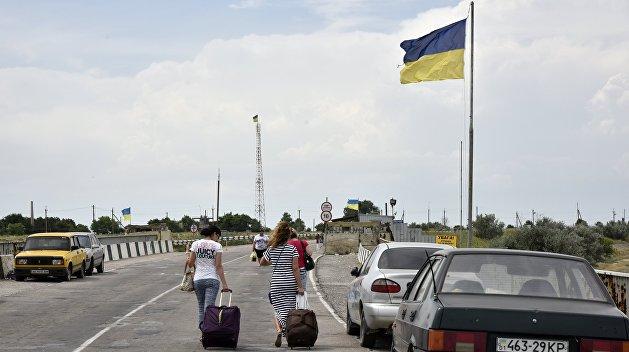 Политика Украины вынуждает граждан бежать из страны
