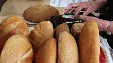 На Украине резко подорожали хлеб и мясо