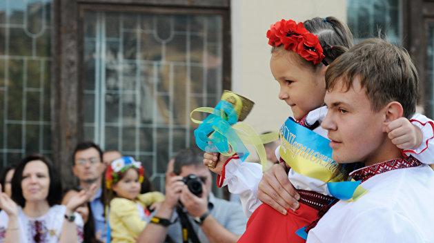 Порошенко объявил оботсутствии запрета на исследование языков нацменьшинств вгосударстве Украина