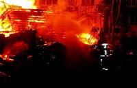 Мощный пожар вспыхнул в киевском общежитии для переселенцев из Донбасса